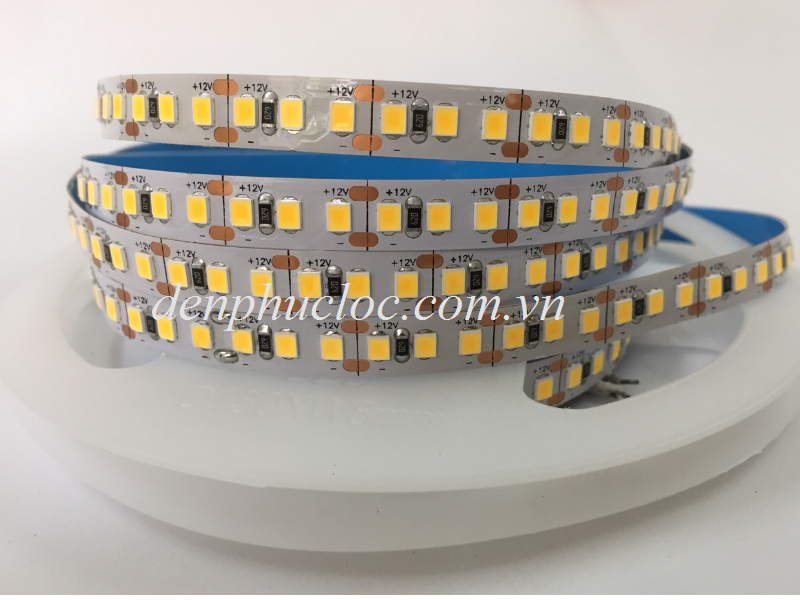 Den-Led-Day-Dan-12V-2835-180LED-Anh-Sang-Vang